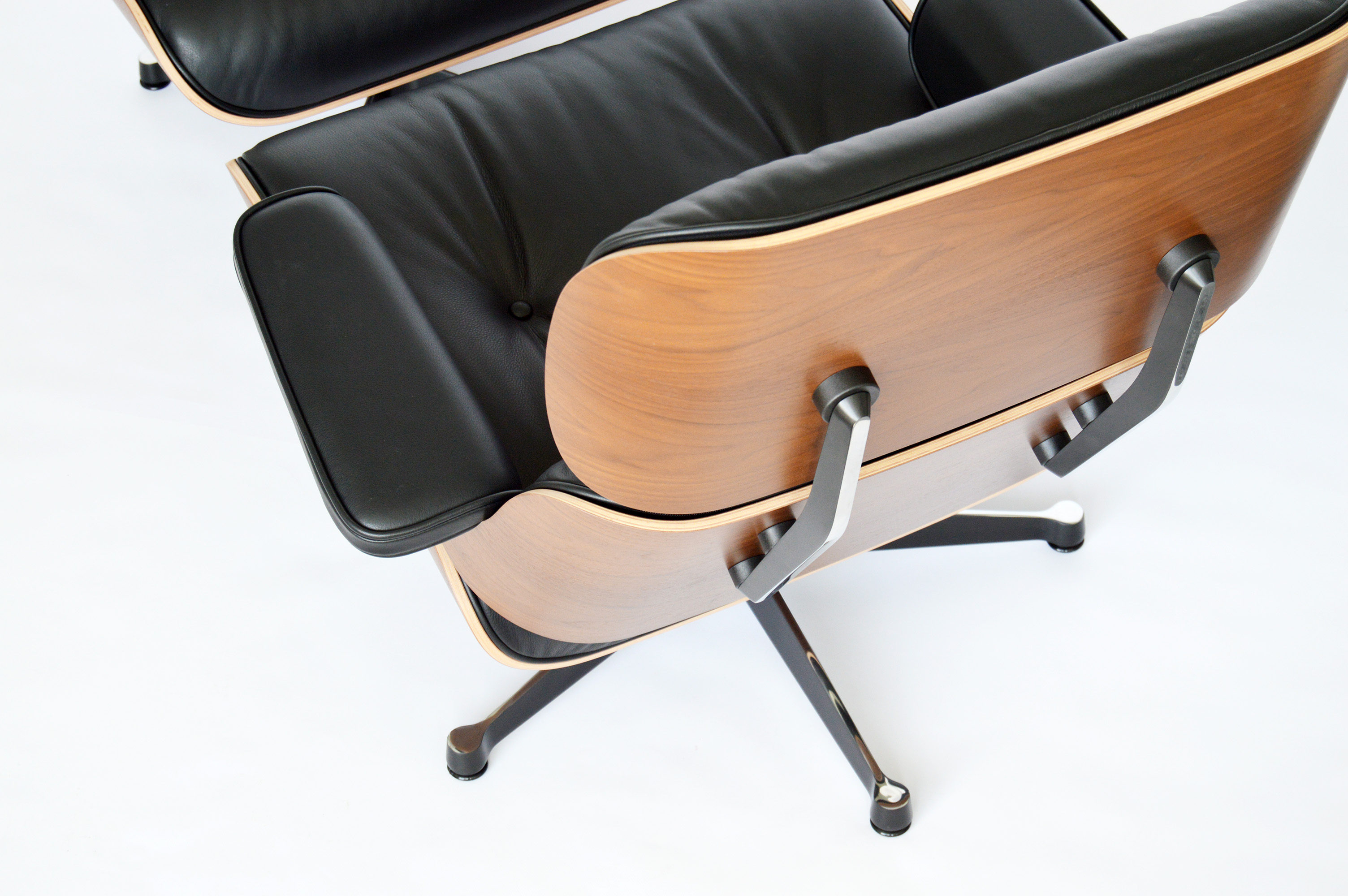 Vitra eames lounge chair im design sortiment von midmodern for Vitra lounge chair nachbau