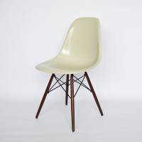 Eames Vitra Fiberglass Side Chairs DSW 02