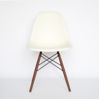 Vitra Eames Plastic Chair DSW Ahorn dunkel02