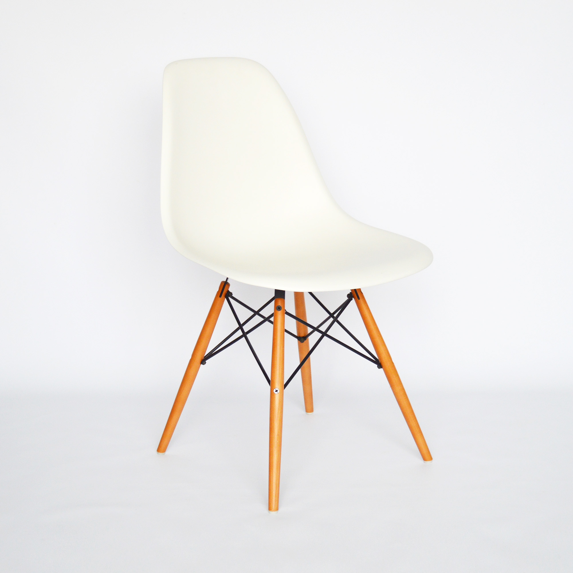 Vitra dsw set of vintage dsw chairs by eames for vitra s for Vitra eames plastic armchair replica