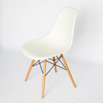 Vitra Eames Plastic Chair DSW 05
