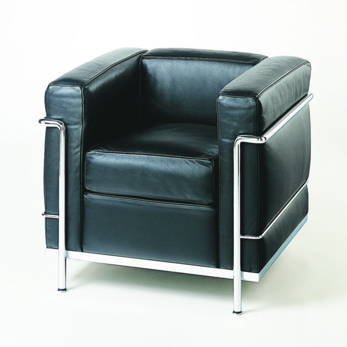 MidModern Cassina |LC 2 by Le Corbusier - Pierre Jeanneret - Charlotte Perriand