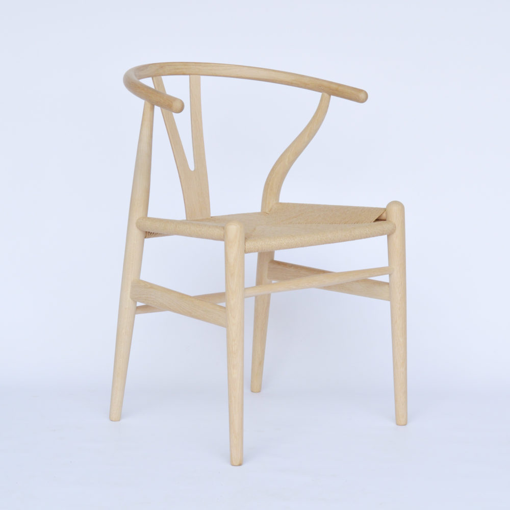 MidModern Carl Hansen & Son | CH24 Wishbone Chair EICHE