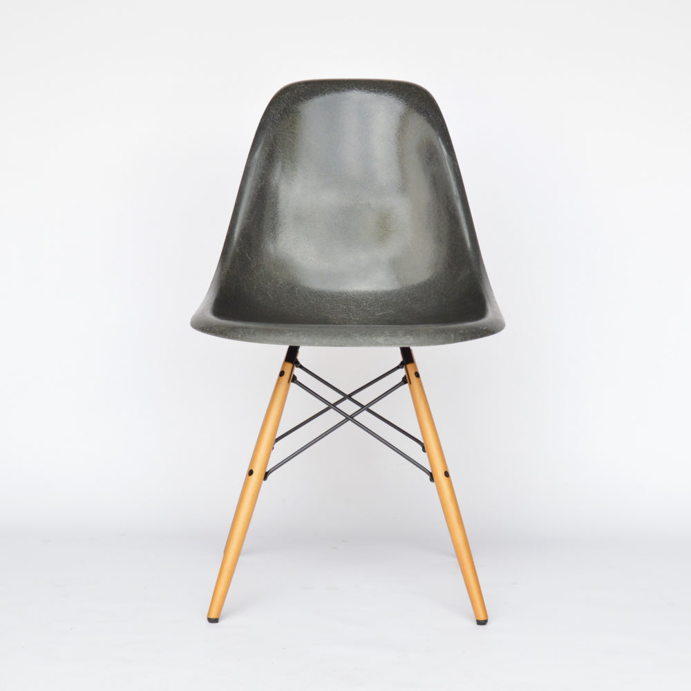 MidModern Herman Miller | Eames DSW - Fiberglass Side Chair ELEPHANT HIDE GREY