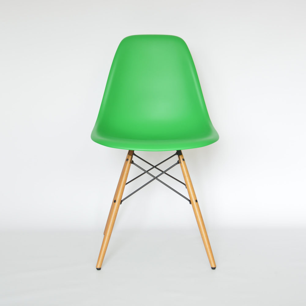 vitra eames plastic side chair dsw classic green ahorn. Black Bedroom Furniture Sets. Home Design Ideas