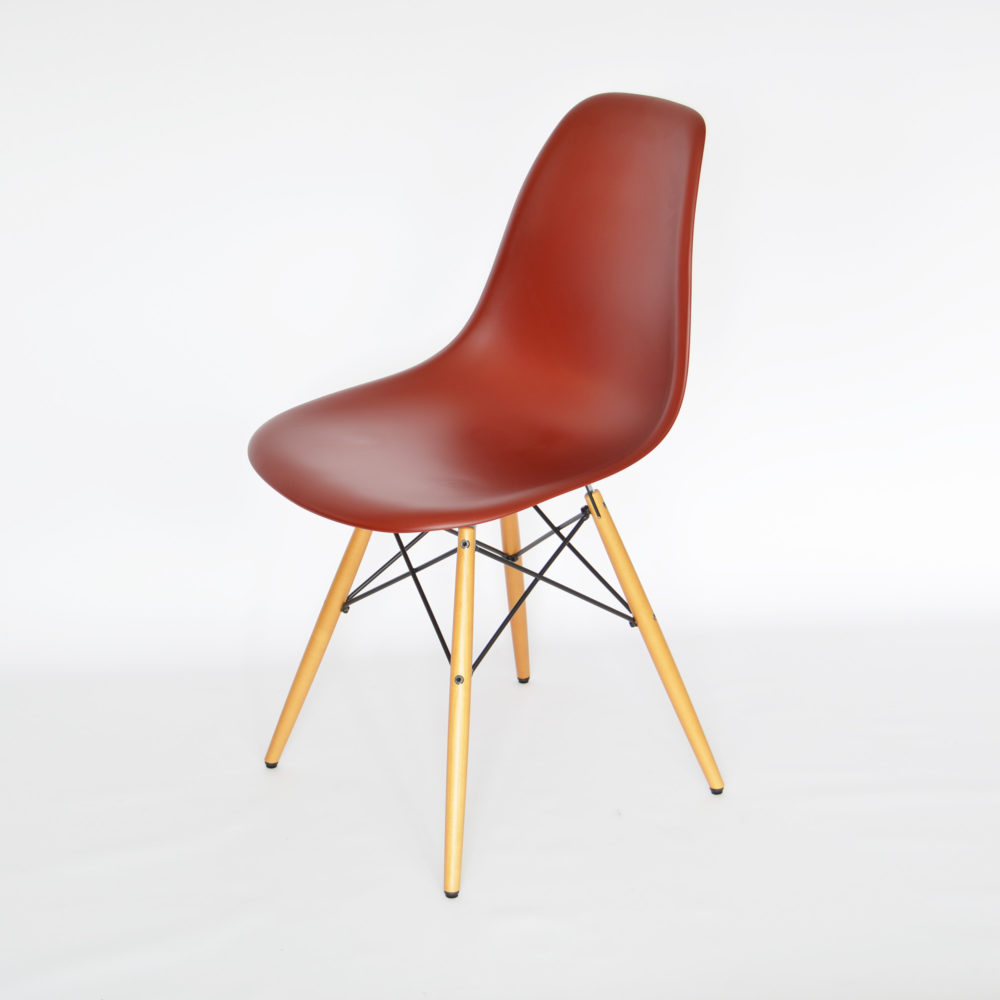 vitra eames plastic side chair dsw oxidrot ahorn. Black Bedroom Furniture Sets. Home Design Ideas