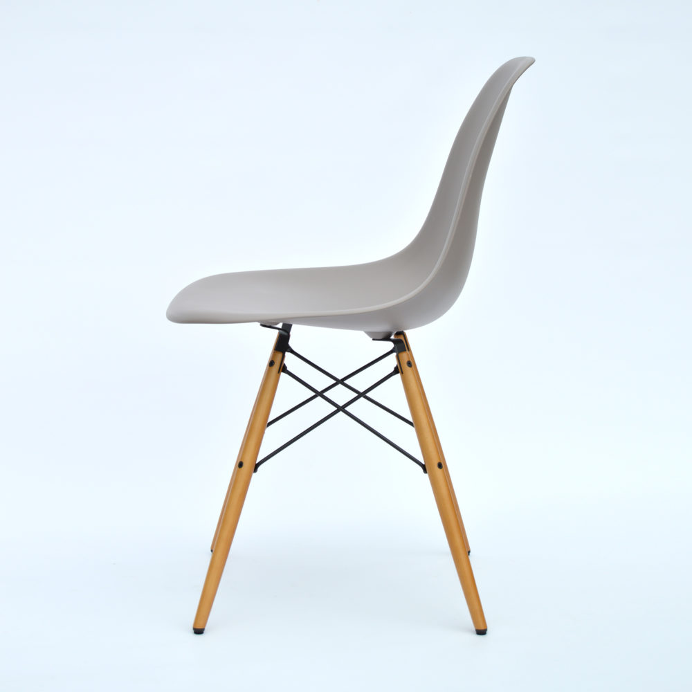 Vitra Eames plastic side chair Mauve light grey maple new height