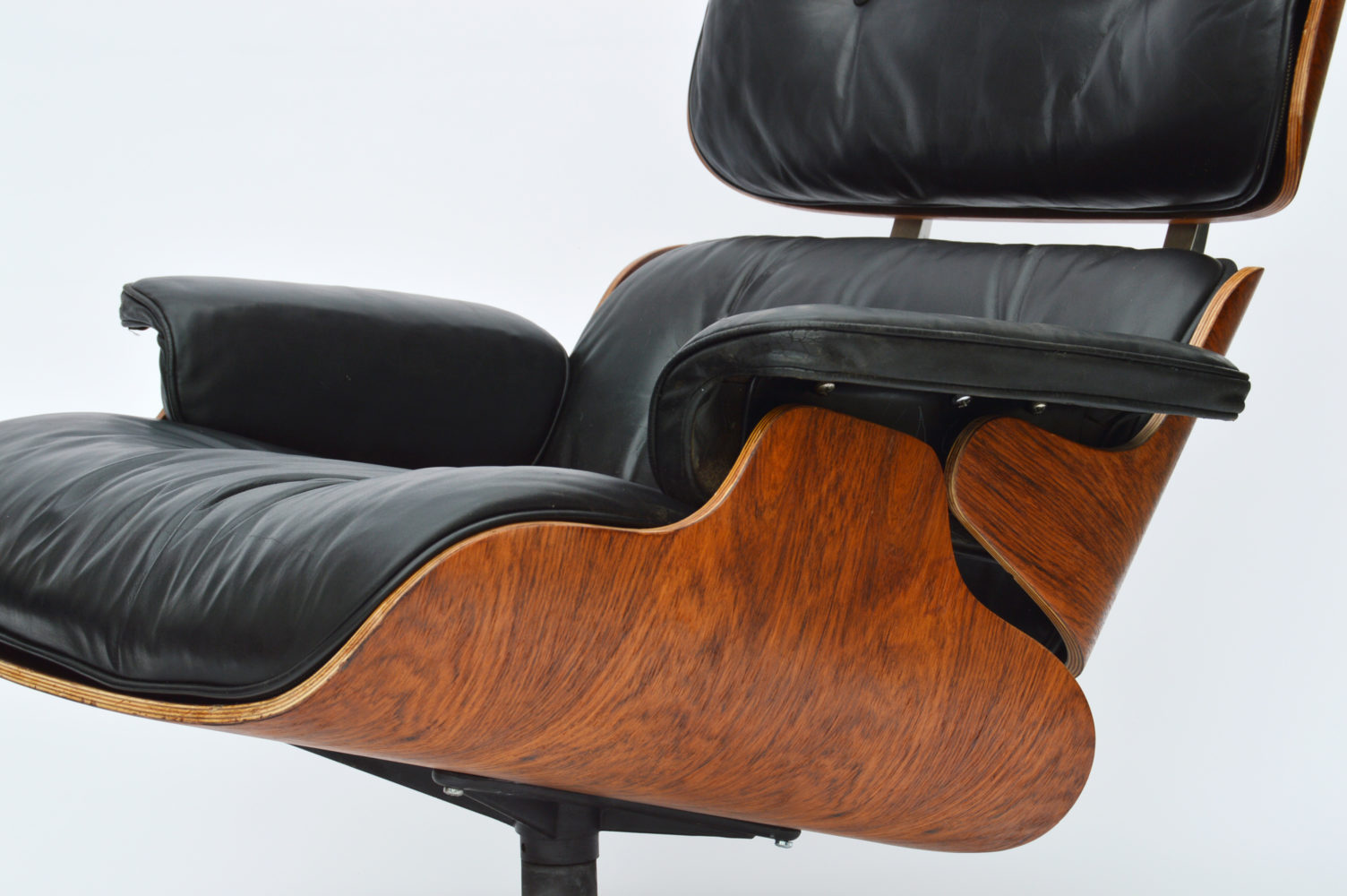 Eames Lounge Stoel : Eames lounge chair by icf for herman miller vitra