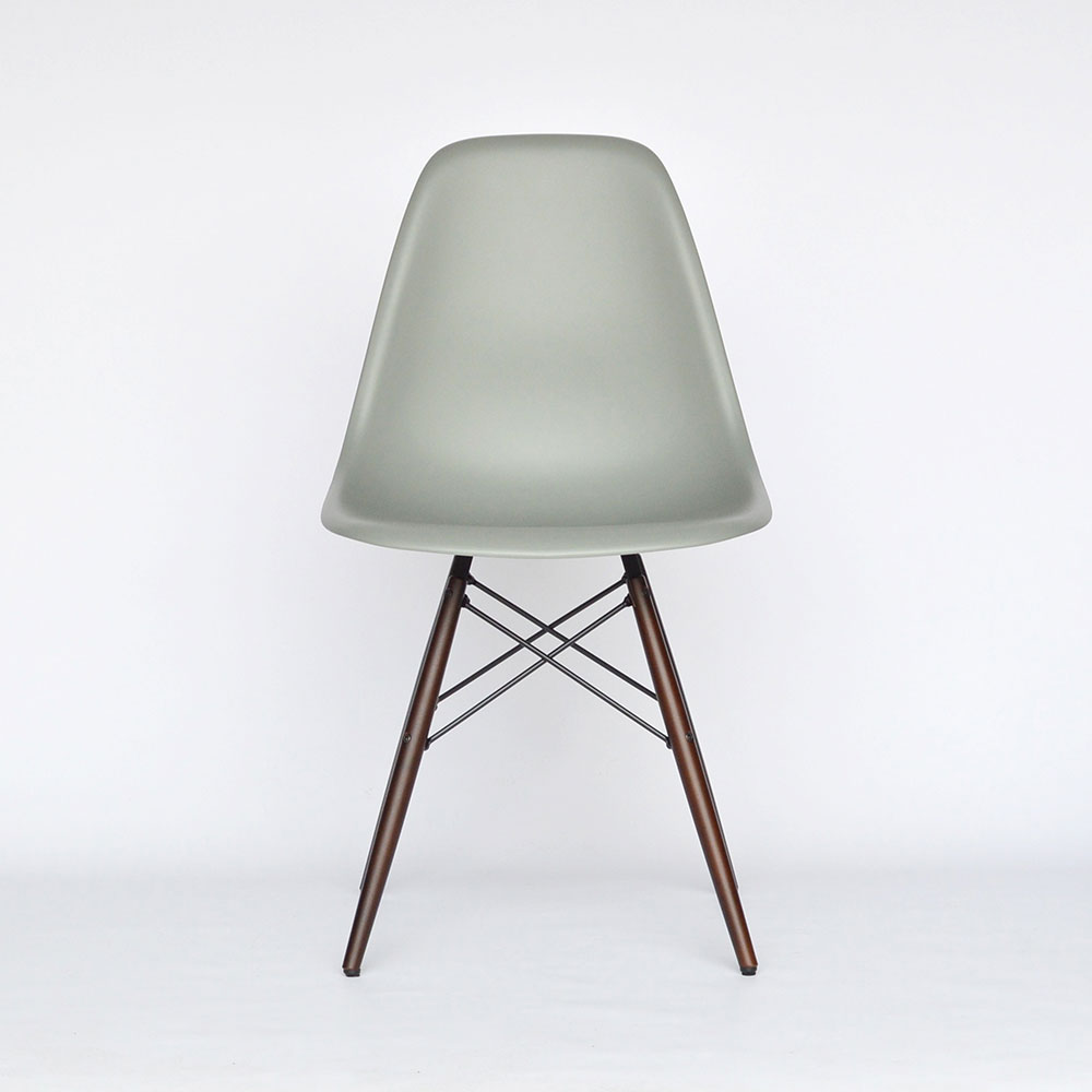 eames plastic side chair dsw gebraucht chairs seating. Black Bedroom Furniture Sets. Home Design Ideas