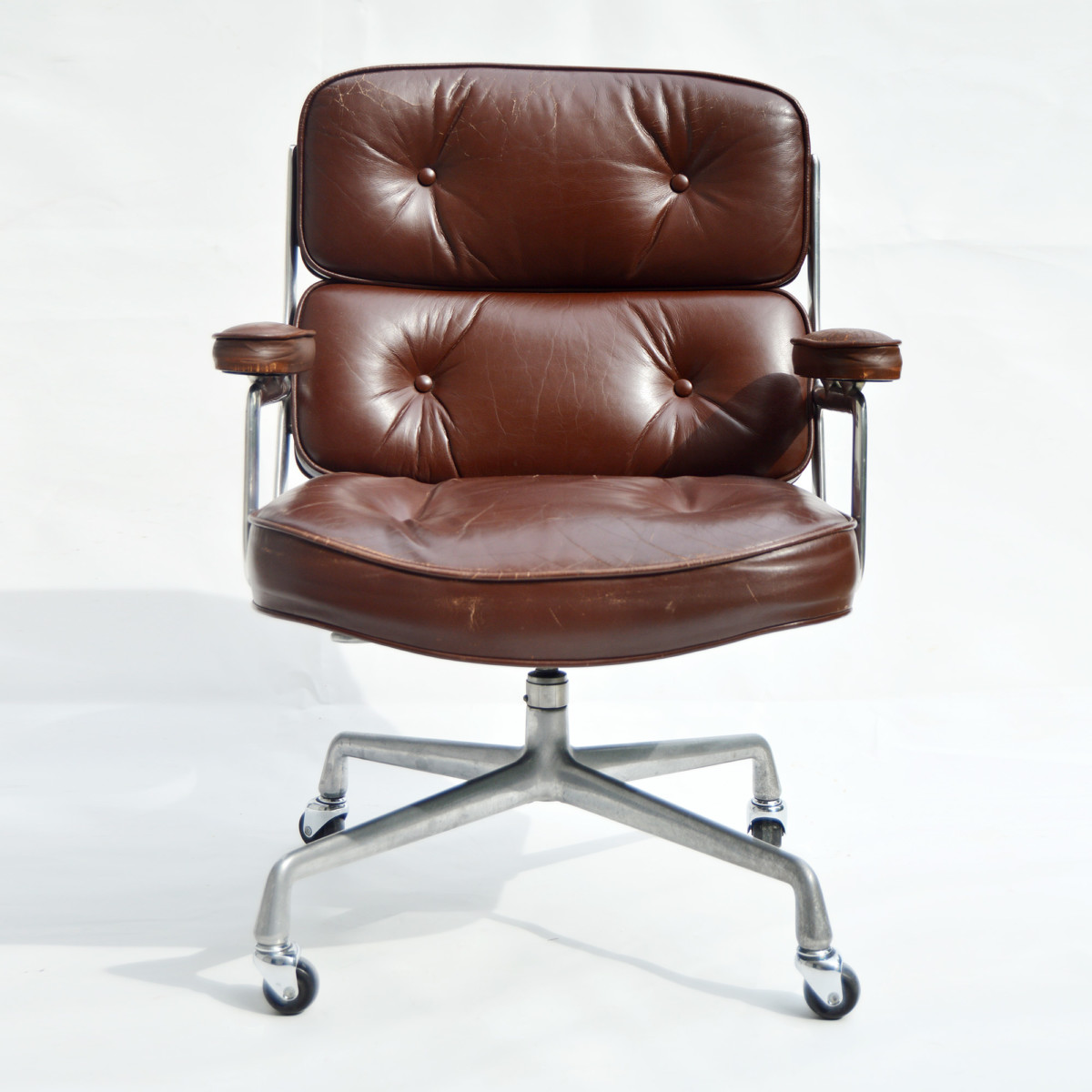 vintage eames lobby chair es104 by herman miller 1970. Black Bedroom Furniture Sets. Home Design Ideas
