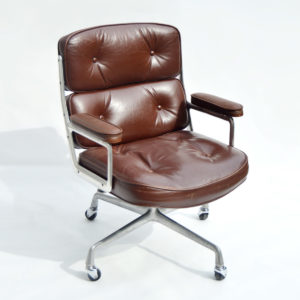 MidModern Eames Time Life Lobby Chair ES 104 (vintage)