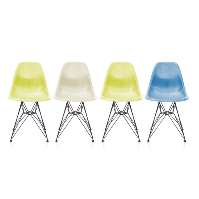 MidModern 4er Set Eames Side Chairs DSR Fiberglass